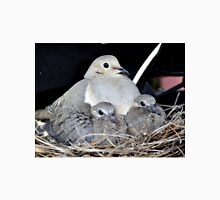 MAMMA MOURNING DOVE WITH HER TWO SQUABS Unisex T-Shirt
