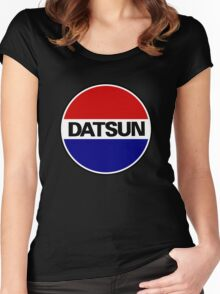 datsun emblem old vintage Women's Fitted Scoop T-Shirt