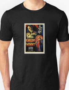 Boris Karloff in The Mummy (Poster 1932) Unisex T-Shirt
