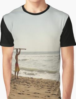 Early morning surfer Graphic T-Shirt