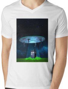 Tardis UFO Mens V-Neck T-Shirt