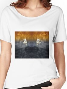 Her passage through time Women's Relaxed Fit T-Shirt