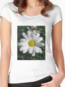 Dainty Daisy Women's Fitted Scoop T-Shirt