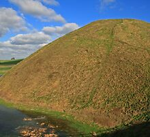 Silbury Hill 3 by RedHillDigital