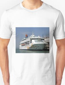 Star Pisces cruise ship Unisex T-Shirt