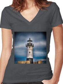 Duluth 10 Women's Fitted V-Neck T-Shirt
