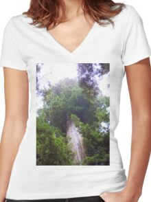 The Gentlest Giant  Women's Fitted V-Neck T-Shirt