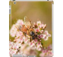 Bee on a flower iPad Case/Skin