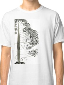 Single Pine, a symbol of longevity Classic T-Shirt