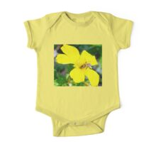 Bee on buttercup One Piece - Short Sleeve