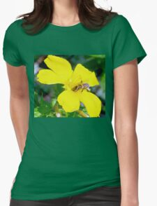Bee on buttercup Womens Fitted T-Shirt