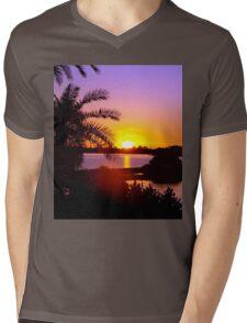 Sun's goodnight kiss Mens V-Neck T-Shirt