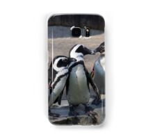 Penguin embracing Samsung Galaxy Case/Skin