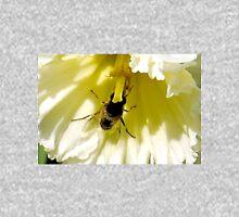 Inside a Golden Daffodil........ Unisex T-Shirt