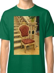 old chair Classic T-Shirt
