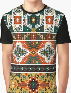 Seamless vivid pattern in tribal style Graphic T-Shirt