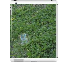 Bubbles and clover iPad Case/Skin