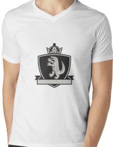 Gator Standing Side Coat of Arms Crest Retro Mens V-Neck T-Shirt