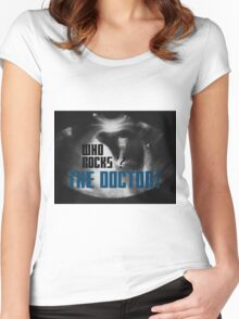 Who rocks? - The Doctor! Women's Fitted Scoop T-Shirt