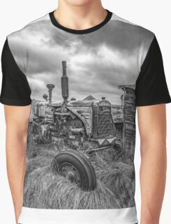 Crank that Tractor! - BW Graphic T-Shirt