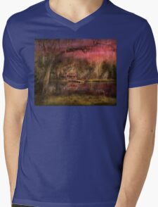 Cabin - De Land, FL - Summer Cottage 1904 Mens V-Neck T-Shirt