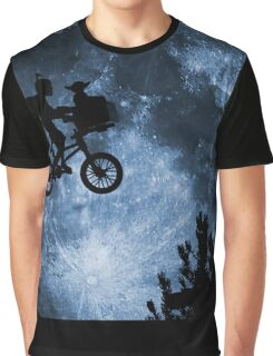 CATCH THE MOON Graphic T-Shirt