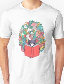 Cat reading a book. Unisex T-Shirt