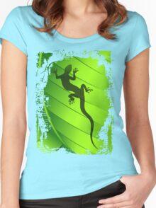 Lizard Gecko Shape on Green Leaf Women's Fitted Scoop T-Shirt
