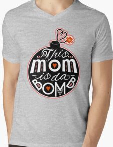 Mom da Bomb Mother's Day Cute Typography Mens V-Neck T-Shirt