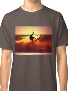 Catching Waves surf Classic T-Shirt
