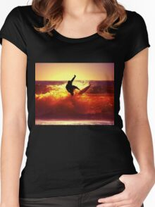 Catching Waves surf Women's Fitted Scoop T-Shirt