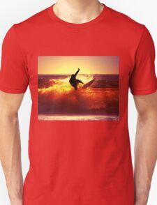 Catching Waves surf Unisex T-Shirt