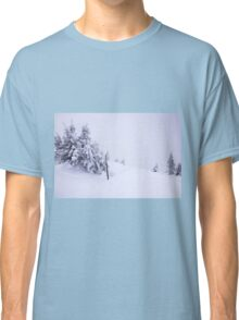 In snow Classic T-Shirt