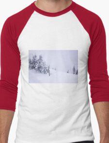 In snow Men's Baseball ¾ T-Shirt