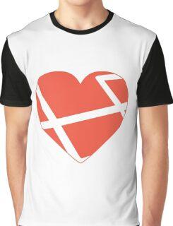 Heart Laravel Graphic T-Shirt