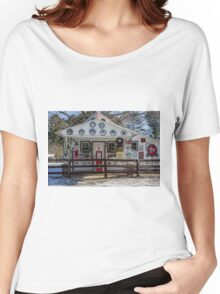 Country Store Women's Relaxed Fit T-Shirt