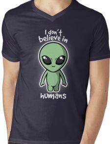 Aliens don't believe Mens V-Neck T-Shirt