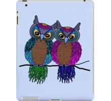 Owls in love colour iPad Case/Skin