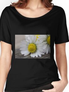 daisies in spring Women's Relaxed Fit T-Shirt