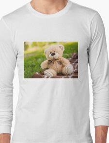 Teddy bear on the green grass Long Sleeve T-Shirt
