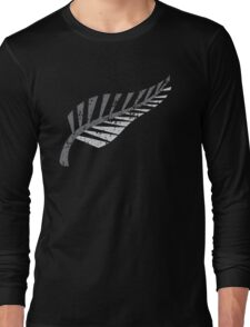 Silver fern distressed  Long Sleeve T-Shirt