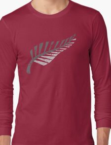 Silver fern distressed  Long Sleeve T-Shirt