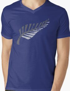 Silver fern distressed  Mens V-Neck T-Shirt