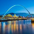 Millennium Bridge - Gateshead by David Lewins