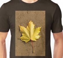 Maple leaf in autumn Unisex T-Shirt