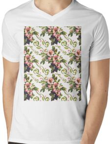 Wild Roses Floral Bouquet Pattern Mens V-Neck T-Shirt