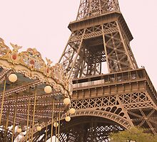 le Carrousel de la Tour Eiffel by cinn