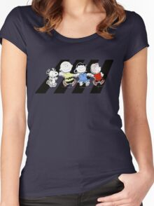 Peanuts Gang Women's Fitted Scoop T-Shirt