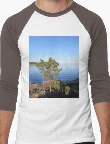 tree with sea Men's Baseball ¾ T-Shirt