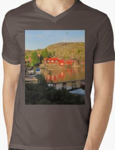 Old island in fine condition Mens V-Neck T-Shirt